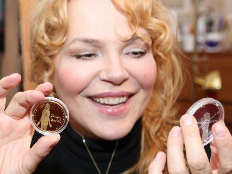 Dagmar Havlová s medailí Olbrama Zoubka